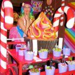 תפאורה לאירועים - תקריב עגלת הממתקים הצבעונית