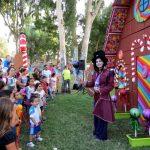 תפאורה לאירועים - יצור קסום במופע לילדים